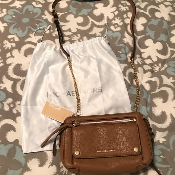 cc5d86c9037d8f Michael Kors Bags | Tan Leather Medium Bag Nwt | Poshmark